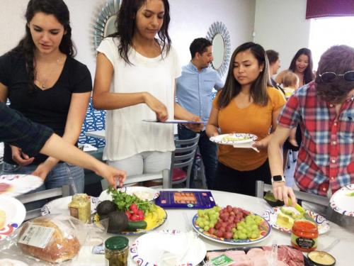 Cooking tartines apéritive and crêpes with undergraduate French students